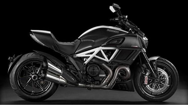 Ducati Diavel Carbon-28