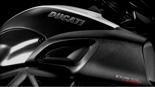 Ducati Diavel Carbon-29