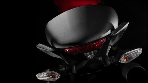 Ducati Monster 1200-5