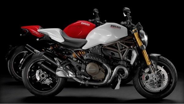Ducati Monster 1200S-22