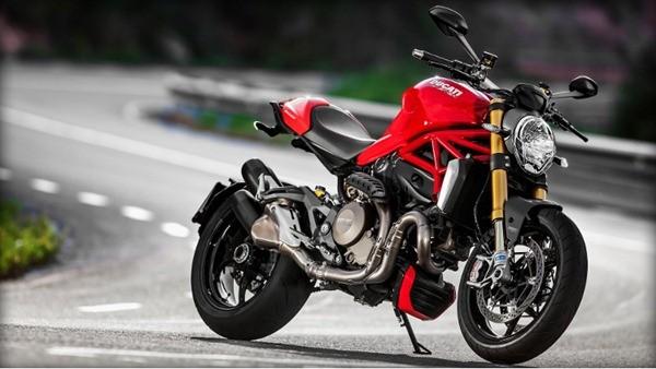 Ducati Monster 1200S-2