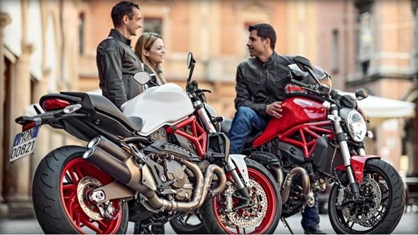 Ducati Monster 821-3
