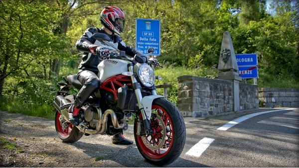 Ducati Monster 821-6