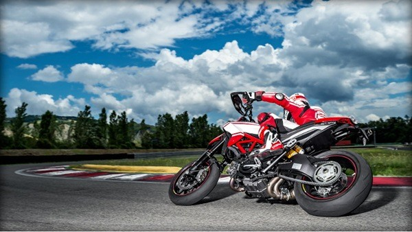 Ducati Hypermotard-5