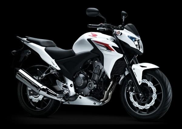 CB500 สีขาว