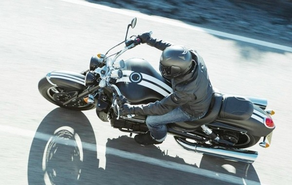 Triumph Rocket III Roadster6