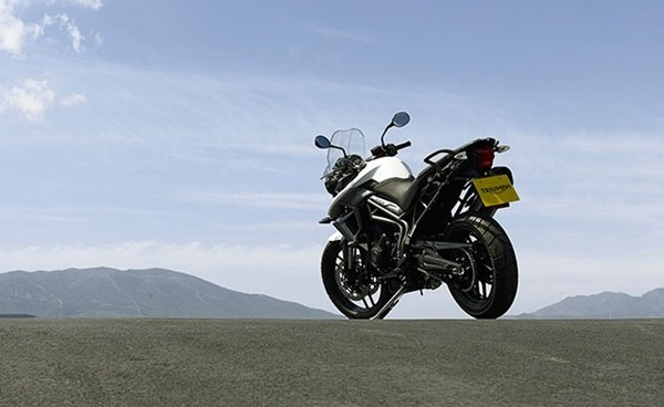 2015-Triumph-New-Tiger-800XR2-small