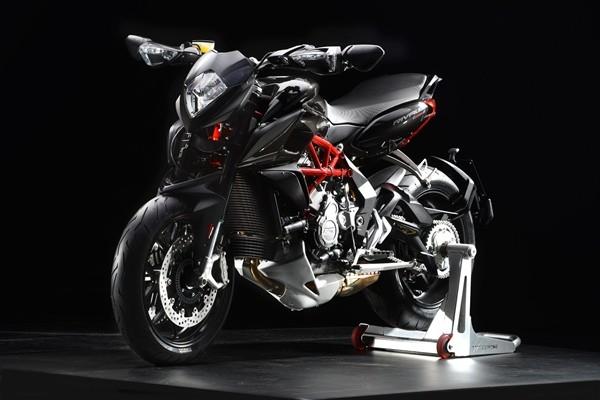 MV Agusta Rivale 800 ABS12