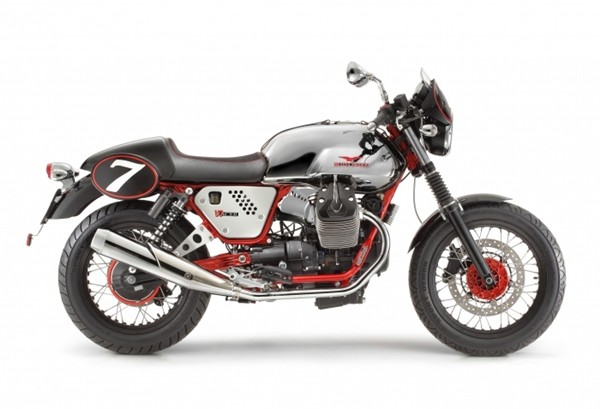 Moto Guzzi V7 II Racer1