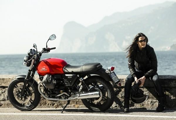 Moto Guzzi V7 II Stone13