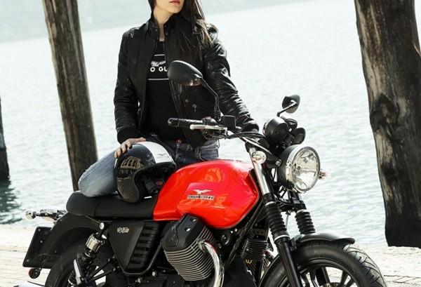 Moto Guzzi V7 II Stone14
