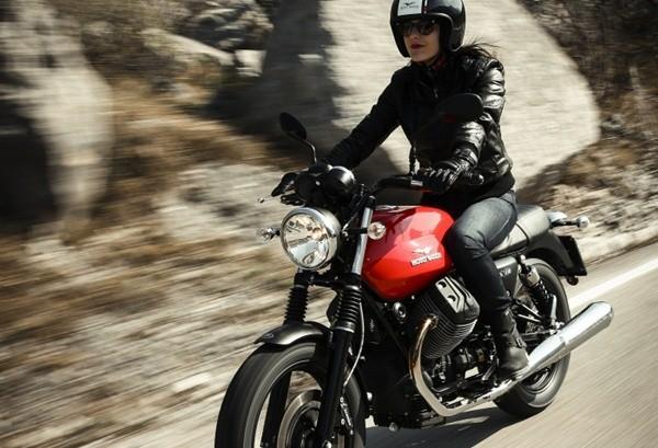 Moto Guzzi V7 II Stone16
