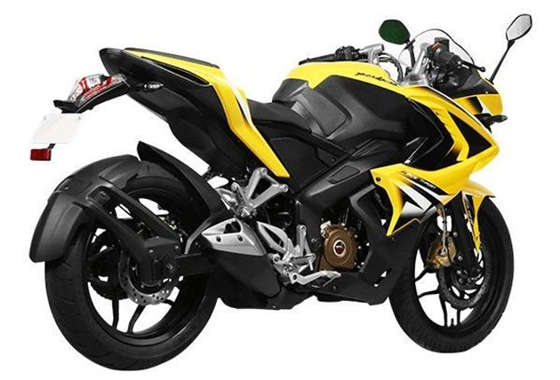 bajaj-pulsar-rs200-rear-3-quarter-5