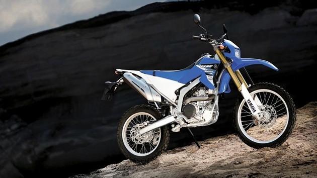 2015-Yamaha-WR250R-EU-Racing-Blue-Static-001