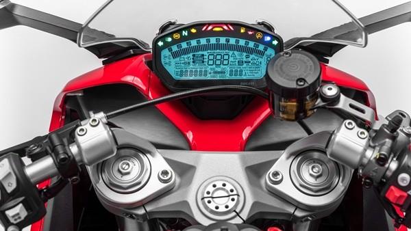 รุ่นและราคา Ducati SuperSport 2017 ซุปเปอร์ไบค์สมรรถนะสูง