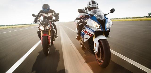 รุ่นและราคา BMW S1000RR เท่ ล้ำสมัย ทะยานสู่ท้องถนนอย่างดุดัน