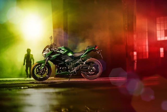 เฉดสีและราคา Kawasaki Z300